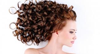 Какую сделать стрижку на волнистые волосы средней длины