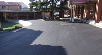 How to lay asphalt in the yard