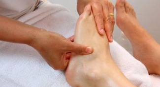 Why the fracture swollen foot