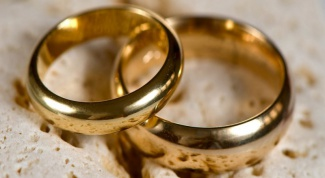 Can I wear a wedding ring of a deceased person