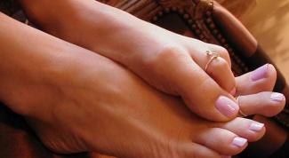 Почему дергается палец на ноге