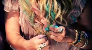Как красить волосы мелками