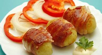 Как приготовить румяный картофель с беконом
