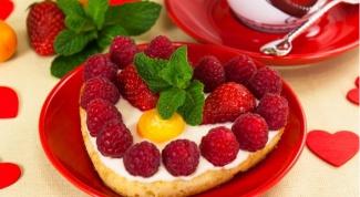 Цитрусовые пирожные «Валентинки» с фруктами