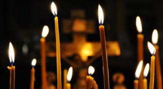 Откуда появилась традиция ставить свечи в храме