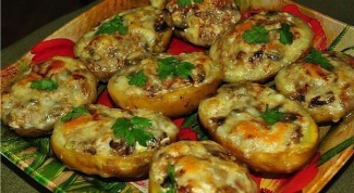 Картофельные лодочки с мясом и овощами