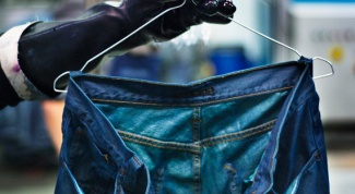 How to paint jeans in blue at home
