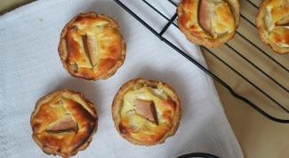 Как приготовить корзиночки с грушей и сырным кремом