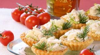 Новогодние тарталетки с салатом оливье