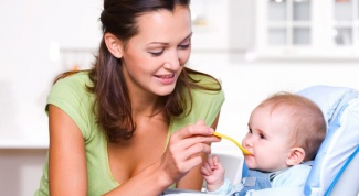 How to introduce baby foods