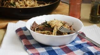 Как приготовить спагетти с куриной печенью в томатном соусе