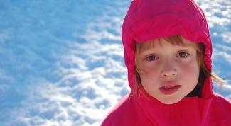 Как занять ребенка на улице зимой