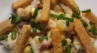 Salad with Kirieshki 3 best recipe