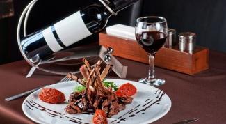 Как сочетать мясо с винами: 5 главных правил