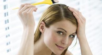 Как покрасить волосы дома народными средствами