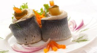 Рулеты из сибаса с соусом бер блан