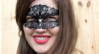Как сделать красивую карнавальную маску