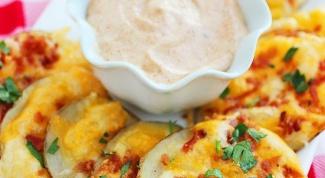 Как приготовить картофельные чипсы с беконом и сыром