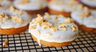 Банановые пончики с грецкими орехами