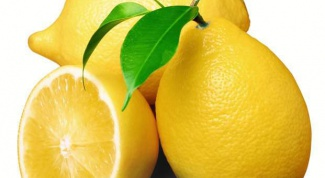 Facial masks from age spots with lemon