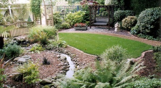 How to use marble chips in landscaping