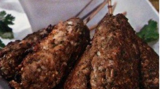 Мясо по-индонезийски с арахисовым соусом