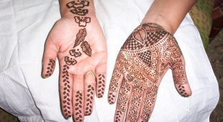 How long does a henna tattoo