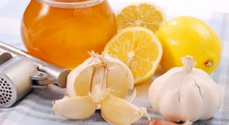 How to make a mixture of honey, lemon and garlic