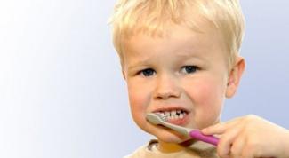 Почему у маленького ребенка портятся зубы