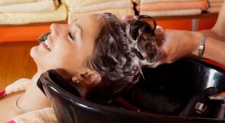 Как делают смывку краски с волос в салоне