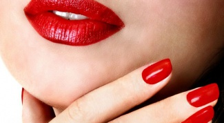 How to remove nail shellac