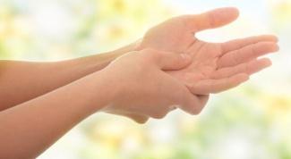 С чем связано онемение лица и руки