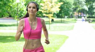 Когда полезнее бегать: утром или по вечерам?