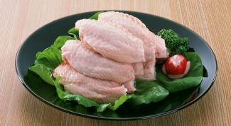 Куриные крылышки, запеченные в томатно-соевом соусе