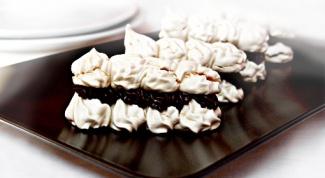 Как приготовить меренги с шоколадным кремом