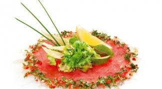 Как приготовить салат из тунца с томатной сальсой