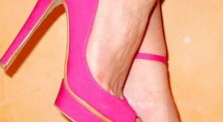 Босоножки розового цвета