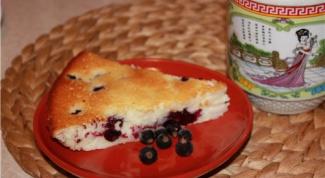 Ленивый пирог со смородиной