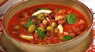 Как приготовить солянку с колбасой