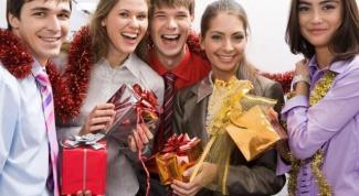 Что делать, если муж ездит на корпоратив без жены