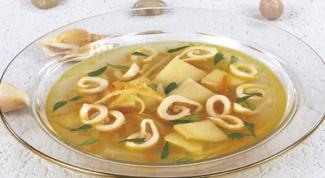 Картофельный суп с кальмарами