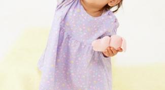 Какие платья подходят девочкам до трех лет