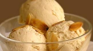 Как приготовить мороженое с соусом
