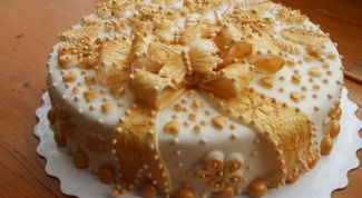 The recipe for the cake out of biscuits and condensed milk