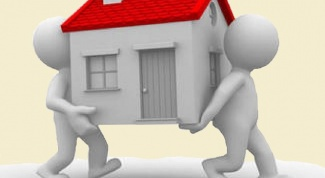 Who is eligible for privatization of apartments