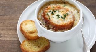 Как приготовить вкусный луковый суп