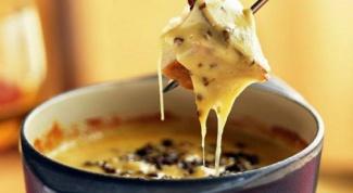 Как приготовить простое сырное фондю