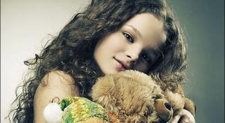 Как научить девочку следить за своими волосами