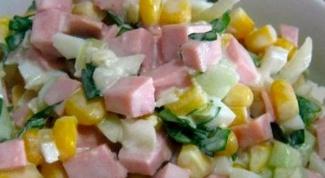 Как приготовить салат с вареной колбаской