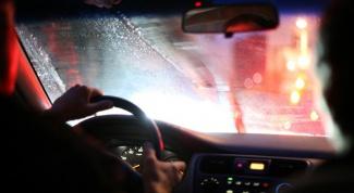 Что делать, если запотевают окна в машине